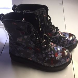 Other - Toddlers floral rain boots sz 11.5. EUC
